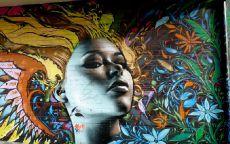 Граффити Девушка и Цветы