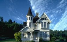 Дом белый сайдинг