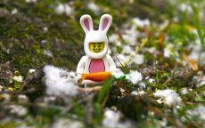 Лего заяц с морковкой