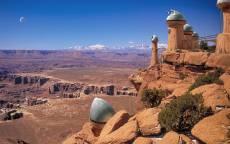 Пустыня, скалы, фантастический город, башни, горизонт