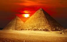 Египет, две пирамиды, закат солнца, красное небо