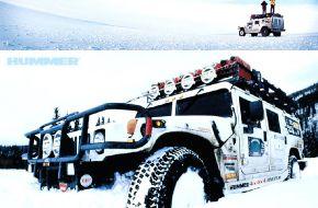 Hummer на севере в снегу