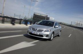 Toyota Corolla на автостраде