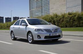 Toyota Corolla (Тойота Королла)  4-дверный седан