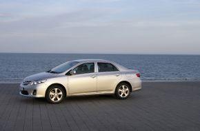 Фотография Toyota Corolla у моря