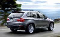 BMW X5 – крупногабаритный кроссовер.
