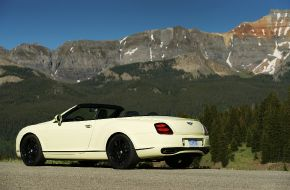 Bentley-Continental-Supersports-Convertible-2010-015