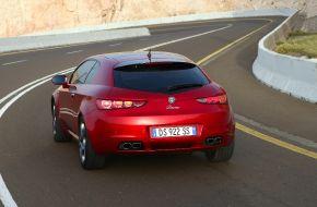 Alfa Romeo Brera вид сзади