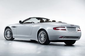 Кабриолет Aston Martin DB9 — автомобиль класса Gran Turismo.