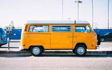 Желтый автобус, старый микроавтобус