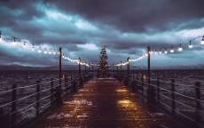 пристань, фонари, море, елка на пристани