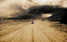 Дорога в пустыне.