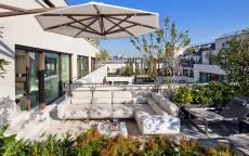 Дворик пятизвездочного отеля Mandarin Oriental в Париже