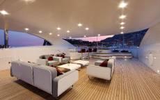 Интерьер палубы современной яхты