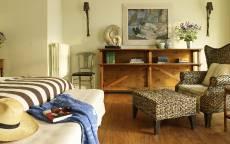 Спальня в шале, плетенная мебель