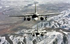 Противолодочные самолеты летят над горами