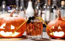 Две грустные тыквы на Хеллоуин Празднике
