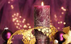 Свечка и новогодние шары