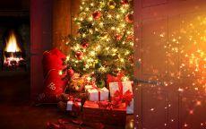 праздничная елка и подарки