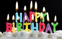 горящие свечи с днем рождения.