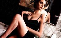 Анджелина Джоли (Angelina Jolie) в черном платье