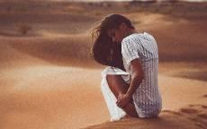 Вечер, девушка, рубашка, пустыня, барханы