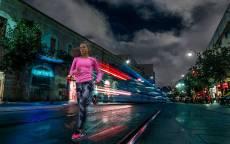 Девушка, фитнес, бег, ночь, фонари, спорт