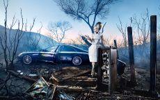 Винтажная картина Девушка, сейф и авто