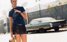 Фотография, актриса, Холли Валанс, черная машина, мини юбка