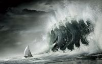 Зубастая волна нападает на яхту