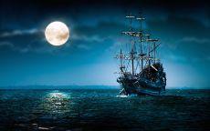 Летучий голландец и луна