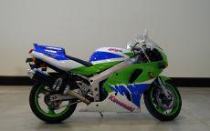 Спортивный мотоцикл Kawasaki ZXR750