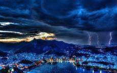 Молнии, ночь, облака, Рио-Де-Жанейро, город