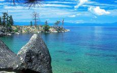 Каменный берег Байкала