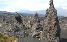 Причудливые вулканические камни