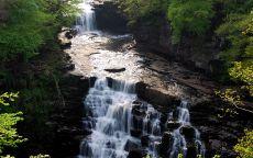 Горная речка и водопад