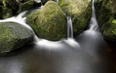 Водопады, зеленые камни, брызги, вода, природа