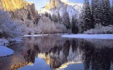 Зимний пейзаж гора и река