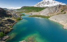 Синее горное озеро