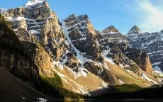 Горы, снег, озеро, голубое небо, вершины