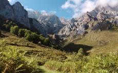 Горы, скалы, облака, небо, трава