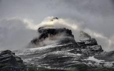 Скала, гора, вершина, облака, снег, холод