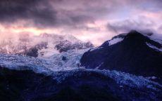 Ледник в горах.