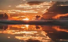 закат, река, туман, облака, отражение, солнце, птицы