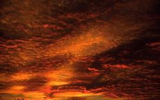 Красные облака на закате