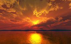 Отражение вечернего солнца в воде
