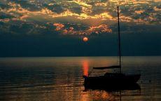 Спящая лодка