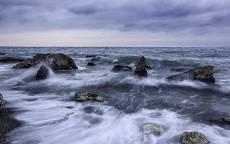 Море, океан, берег, волны, прибой, камни, тучи