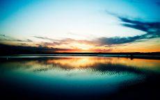 Красочный закат на море.