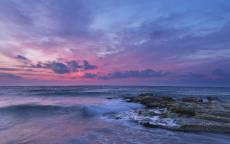Сиреневый закат, море, волны, прибой